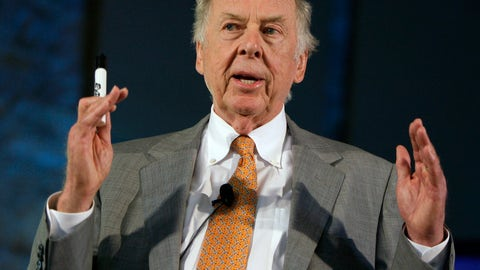 <p>               FILE - In this July 30, 2008, file photo, oil and gas developer T. Boone Pickens addresses a town hall meeting on energy independence in Topeka, Kan. Pickens, who amassed a fortune as an oil tycoon and corporate raider and gave much of it away as a philanthropist, has died. He was 91. Spokesman Jay Rosser confirmed Pickens' death Wednesday, Sept. 11, 2019.  (AP Photo/Charlie Riedel, File)             </p>