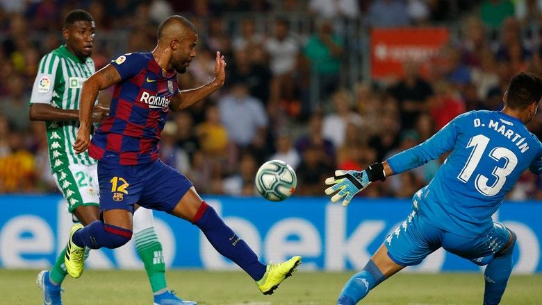 Barcelona loans midfielder Rafinha to Celta Vigo