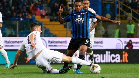 <p>               Atalanta's Luis Muriel, right, and Fiorentina's Nikola Milenkovic challenge for the ball during the Italian Serie A soccer match between Atalanta and Fiorentina at the Tardini stadium in Parma, Italy, Sunday, Sept. 22, 2019. (Paolo Magni/ANSA via AP)             </p>
