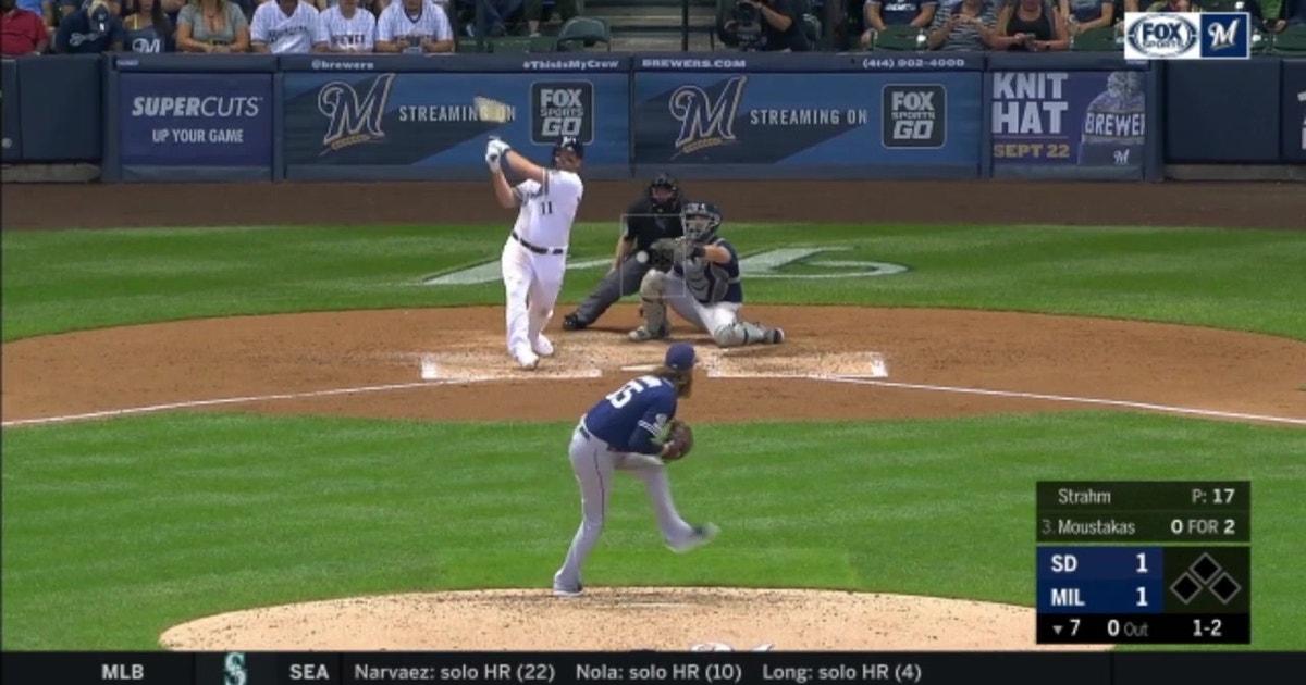 WATCH: Moustakas' 35th homer breaks tie in 7th inning