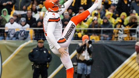 <p>               FILE - In this Oct. 28, 2018, file photo, Cleveland Browns punter Britton Colquitt kicks against the Pittsburgh Steelers during an NFL football game in Pittsburgh. The Minnesota Vikings have yet another new specialist, veteran punter Britton Colquitt, after making the swap for Matt Wile. (AP Photo/Winslow Townson, File)             </p>