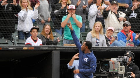 <p>               Chicago White Sox's Tim Anderson (7) comes out of the dugout and waves to fans after a baseball game against the Detroit Tigers Sunday, Sept. 29, 2019, in Chicago. Anderson, who is attempting to become the third White Sox player to win a batting title, went 0 for 2 with two walks in the second game after sitting out the opener. (AP Photo/Mark Black)             </p>