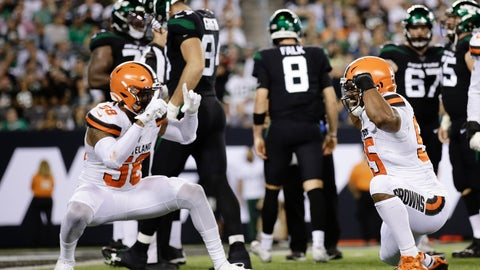 <p>               Cleveland Browns' Christian Kirksey (58) celebrates with Myles Garrett (95) after Garrett sacked New York Jets' quarterback Luke Falk (8) during the second half of an NFL football game Monday, Sept. 16, 2019, in East Rutherford, N.J. (AP Photo/Adam Hunger)             </p>