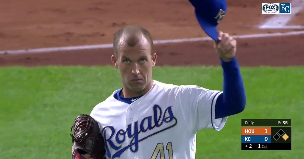 WATCH: Gordon, Dozier turn in great defensive plays in pitchers duel