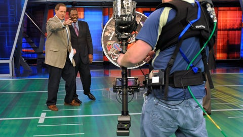 "<p>               FILE - In this Oct. 26, 2008, file photo, Chris Berman, left, gestures during a live segment of Sunday NFL Countdown with colleague Tom Jackson at ESPN in Bristol, Conn. ""NFL PrimeTime"" with Berman and Jackson is coming back after a 14-year absence. ESPN+ is bringing back the popular highlights show beginning Sunday, Sept. 15, 2019. (AP Photo/Jessica Hill, File)             </p>"