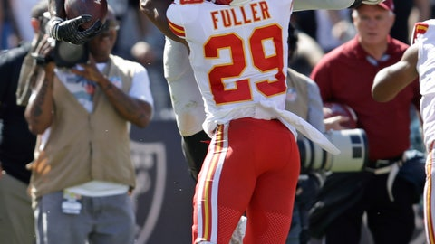 <p>               Oakland Raiders tight end Darren Waller carries the ball over Kansas City Chiefs cornerback Kendall Fuller (29) during the second half of an NFL football game Sunday, Sept. 15, 2019, in Oakland, Calif. (AP Photo/Ben Margot)             </p>