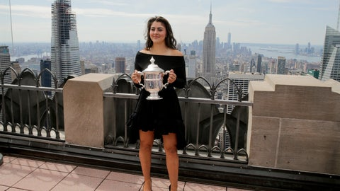 <p>               Bianca Andreescu, of Canada, poses with the US Open women's singles championship trophy at Top of the Rock, Sunday, Sept. 8, 2019, in New York. Andreescu defeated Serena Williams, of the United States, in the women's singles final of the U.S. Open tennis championships. (AP Photo/Charles Krupa)             </p>