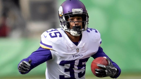 <p>               In this Oct. 21, 2018, photo, Minnesota Vikings' Marcus Sherels (35) attempts to get around New York Jets outside linebacker Brandon Copeland (51) during the first half of an NFL football game in East Rutherford, N.J. The Vikings have brought back a pair of familiar players, signing cornerback/punt returner Sherels and wide receiver Laquon Treadwell. (AP Photo/Bill Kostroun)             </p>