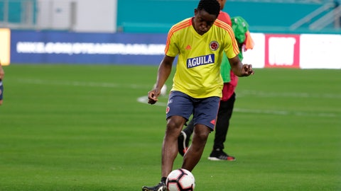 <p>               Colombia defender Yerry Mina does drills in preparation for the team's friendly soccer match Friday against Brazil, Thursday, Sept. 5, 2019, in Miami Gardens, Fla. (AP Photo/Lynne Sladky)             </p>