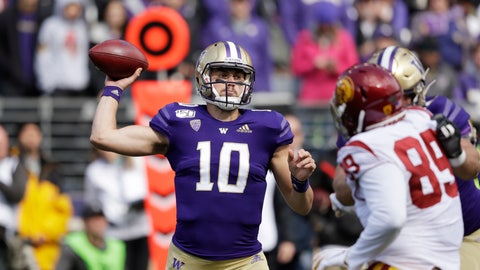 <p>               Washington quarterback Jacob Eason sets up to pass against Southern Cal in the first half of an NCAA college football game Saturday, Sept. 28, 2019, in Seattle. (AP Photo/Elaine Thompson)             </p>