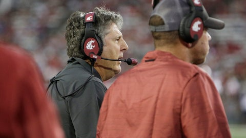 <p>               Washington State coach Mike Leach speaks to his team during the first half of an NCAA college football game against New Mexico State in Pullman, Wash., Saturday, Aug. 31, 2019. (AP Photo/Young Kwak)             </p>