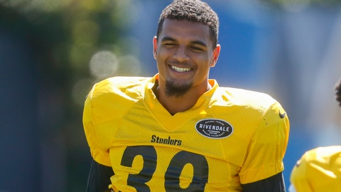 <p>               Pittsburgh Steelers newly acquired safety Minkah Fitzpatrick smiles as he warms up during an NFL football practice, Wednesday, Sept. 18, 2019, in Pittsburgh. (AP Photo/Keith Srakocic)             </p>