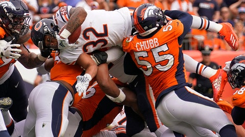 <p>               Chicago Bears running back David Montgomery (32) dives in for the touchdown as Denver Broncos outside linebacker Bradley Chubb (55) blocks during the second half of an NFL football game, Sunday, Sept. 15, 2019, in Denver. (AP Photo/Jack Dempsey)             </p>