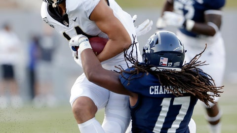<p>               Wake Forest wide receiver Sage Surratt, left, breaks a tackle-attempt by Rice linebacker Treshawn Chamberlain (17) during the first half of an NCAA college football game Friday, Sept. 6, 2019, in Houston. (AP Photo/Michael Wyke)             </p>