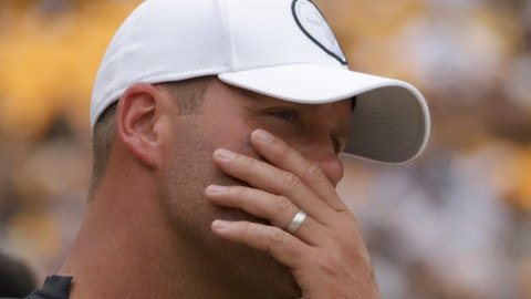 <p>               Pittsburgh Steelers quarterback Ben Roethlisberger stands on the sideline as the team plays against the Seattle Seahawks in the second half of an NFL football game, Sunday, Sept. 15, 2019, in Pittsburgh. Roethlisberger did not play in the second half. (AP Photo/Gene J. Puskar)             </p>
