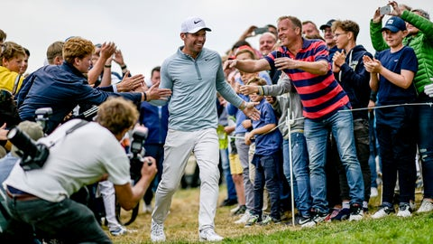 <p>               England's Pauls Casey celebrates after winning the European Open golf tournament, in Hamburg, Germany, Sunday Sept. 8, 2019. (Axel Heimken/dpa via AP)             </p>