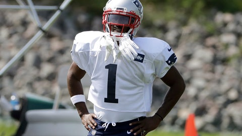 <p>               New England Patriots wide receiver Antonio Brown pauses while working out during NFL football practice, Wednesday, Sept. 11, 2019, in Foxborough, Mass. Brown practiced with the team for the first time on Wednesday afternoon, a day after his former trainer filed a civil lawsuit in the Southern District of Florida accusing him of sexually assaulting her on three occasions. (AP Photo/Steven Senne)             </p>