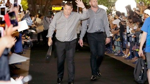 <p>               New Zealand All Blacks' Kieran Read, right, and coach Steve Hansen, left, arrive at a camp venue for the Rugby World Cup in Kashiwa, near Tokyo, Monday, Sept. 9, 2019. (Kyodo News via AP)             </p>