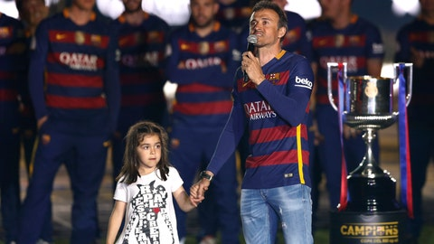 <p>               FILE - In this file photo dated Monday, May 23, 2016, Barcelona coach Luis Enrique holds the hand of his daughter Xana, celebrating with teammates winning the Copa del Rey and Spanish league title, at the Camp Nou stadium in Barcelona, Spain.  Enrique posted a message on Twitter Thursday Aug. 29, 2019, saying his 9-year old daughter Xana has died after a five-month battle against a type of bone cancer.  (AP Photo/Manu Fernandez, FILE)             </p>