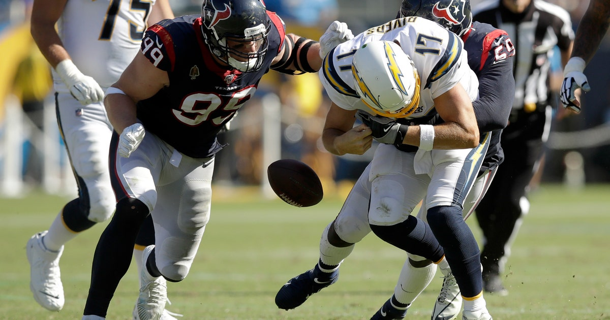 Chargers lose key plays to penalties in second straight loss | FOX Sports