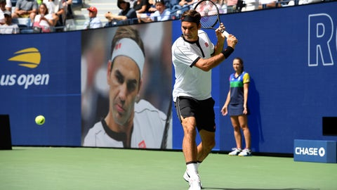 <p>               Roger Federer, of Switzerland, warms up prior to facing David Goffin, of Belgium, during the fourth round of the US Open tennis championships Sunday, Sept. 1, 2019, in New York. (AP Photo/Sarah Stier)             </p>