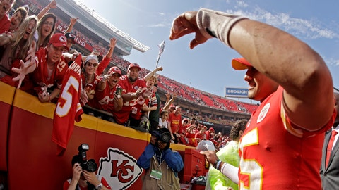 <p>               Kansas City Chiefs quarterback Patrick Mahomes, right, greets fans as he walks off the field after an NFL football game against the Baltimore Ravens, Sunday, Sept. 22, 2019, in Kansas City, Mo. (AP Photo/Charlie Riedel)             </p>