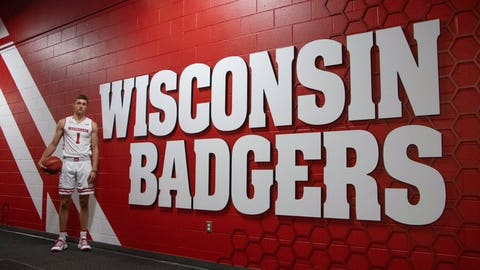 Ben Carlson, future Badgers center