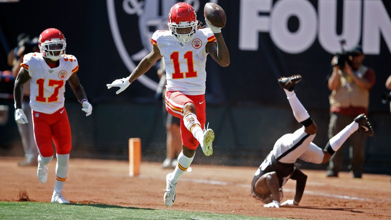 Offense catches fire in second quarter as Chiefs defeat Raiders 28-10