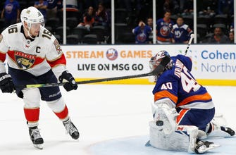 Panthers fall in shootout for 2nd straight night, Islanders come out on top 3-2