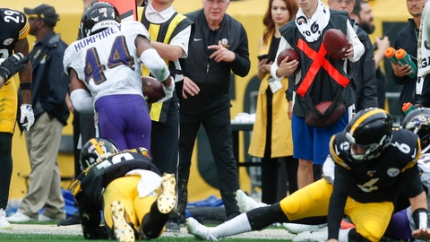 <p>               Baltimore Ravens cornerback Marlon Humphrey (44) runs with the ball after recovering a fumble by Pittsburgh Steelers wide receiver JuJu Smith-Schuster (19) during overtime of an NFL football game, Sunday, Oct. 6, 2019, in Pittsburgh. Steelers quarterback Devlin Hodges (6) is at right. (AP Photo/Don Wright)q             </p>