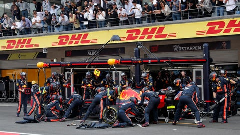 <p>               Pit crew change tires of the car of Red Bull driver Max Verstappen, of the Netherlands, during the Formula One Mexico Grand Prix auto race at the Hermanos Rodriguez racetrack in Mexico City, Sunday, Oct. 27, 2019. (AP Photo/Marco Ugarte)             </p>