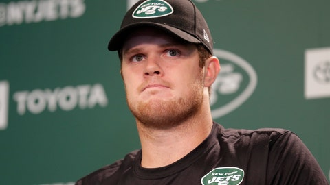 <p>               FILE - In this May 23, 2019, file photo, New York Jets quarterback Sam Darnold speaks to reporters after an NFL football practice in Florham Park, N.J. Darnold has been ruled out for New York's game at Philadelphia on Sunday as he continues to recover from mononucleosis. Coach Adam Gase says Friday that Darnold had tests Thursday night, and the results of which were not sufficient enough for doctors to clear him to play. (AP Photo/Seth Wenig, File)             </p>