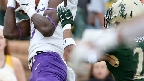 <p>               James Madison's Kyndel Dean, left, hauls in a touchdown pass against William & Mary's Latrelle Smith during the second half of an NCAA college football game in Williamsburg, Va., on Saturday, Oct. 19, 2019.  (Daniel Sangjib Min/Richmond Times-Dispatch via AP)             </p>