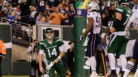 <p>               New York Jets quarterback Sam Darnold (14) reacts after the New England Patriots scored a safety during the second half of an NFL football game Monday, Oct. 21, 2019, in East Rutherford, N.J. (AP Photo/Adam Hunger)             </p>