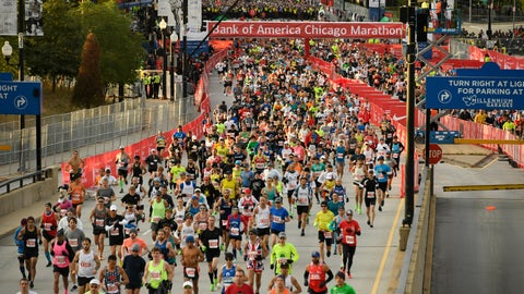 <p>               Runners start the Bank of America Chicago on Marathon Sunday, Oct. 13, 2019, in Chicago. (AP Photo/Paul Beaty)             </p>