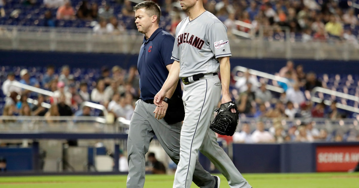 Indians to exercise Kluber's option, decline Kipnis | FOX Sports