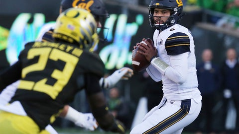 <p>               California quarterback Devon Modster, right, looks down field for an open receiver against Oregon during the first quarter of an NCAA college football game Saturday, Oct.. 5, 2019, in Eugene, Ore. (AP Photo/Chris Pietsch)             </p>