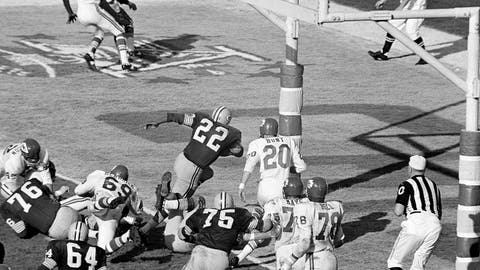 <p>               FILE - In this Jan. 15, 1967, file photo, Green Bay Packers' Elijah Pitts (22) charges into the end zone, eluding Kansas City Chiefs' Bobby Hunt (20), during the first Super Bowl in Los Angeles. Pitts scored from the five on the play following Willie Wood's interception in the third quarter. The Packers and the Chiefs had no way of knowing what the Super Bowl would become when they met at Los Angeles Memorial Coliseum on Jan. 15, 1967. (AP Photo/File)             </p>