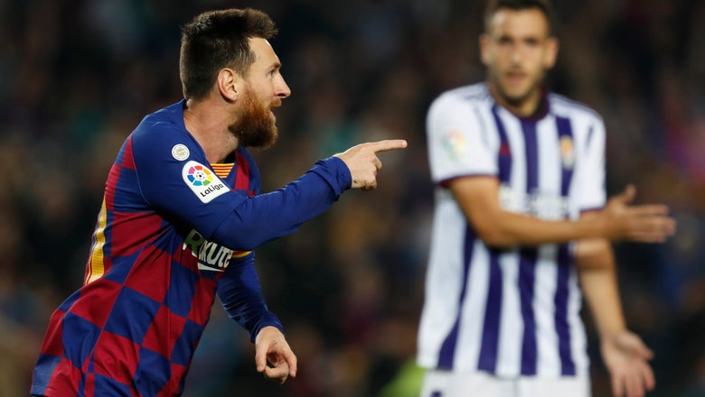 Messi scores 2, leads Barcelona to 5-1 rout of Valladolid