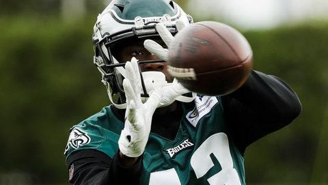 <p>               Philadelphia Eagles' Nelson Agholor catches a pass at the NFL football team's training facility in Philadelphia, Thursday, Oct. 17, 2019. (AP Photo/Matt Rourke)             </p>