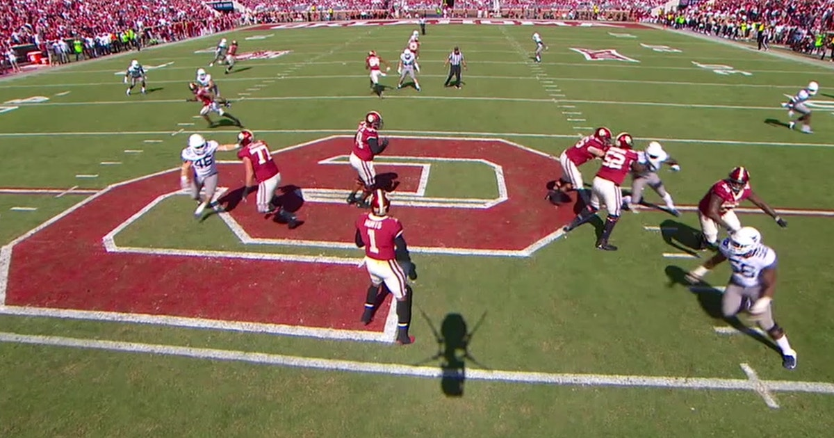 Jalen Hurts lofts a perfect pass to Lee Morris for his 5th total TD on the day