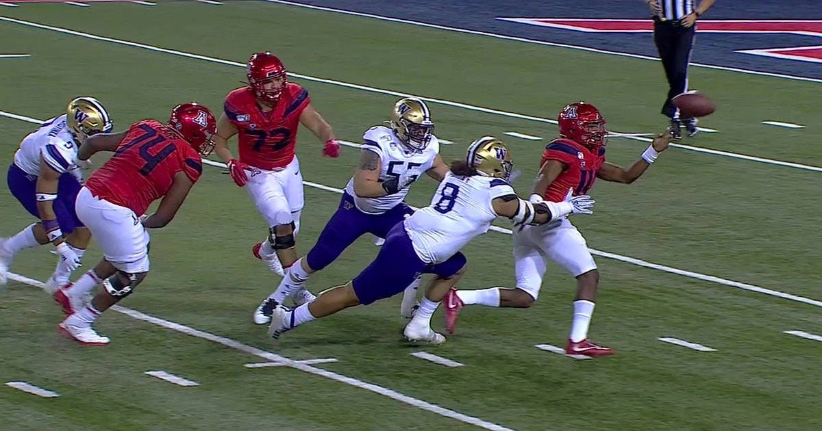 Khalil Tate's unexplainable left-handed pass leads to Washington scoop-and-score TD
