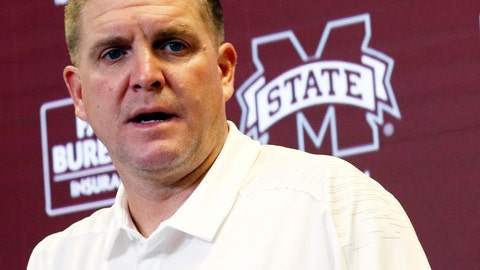 <p>               FILE - In this Aug. 11, 2018 file photo, Mississippi State football defensive coordinator Bob Shoop, talks about senior players' leadership with reporters during the Mississippi State Media Day, in Starkville, Miss. Mississippi State defensive coordinator Bob Shoop will see familiar faces Saturday, Oct. 12, 2019 when the Bulldogs visit Tennessee. Shoop was Tennessee's defensive coordinator. (AP Photo/Rogelio V. Solis, File)             </p>