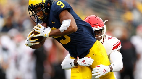<p>               Michigan wide receiver Donovan Peoples-Jones (9) tries to break the tackle of Rutgers defensive back Tre Avery (4) in the first half of an NCAA college football game in Ann Arbor, Mich., Saturday, Sept. 28, 2019. (AP Photo/Paul Sancya)             </p>