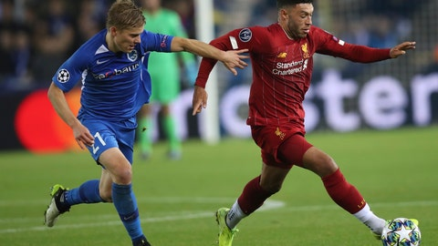 <p>               Liverpool's Alex Oxlade-Chamberlain, right, is pursued by Genk's Jere Uronen during a Champions League group E soccer match between Genk and Liverpool at the KRC Genk Arena in Genk, Belgium, Wednesday, Oct. 23, 2019. (AP Photo/Francisco Seco)             </p>