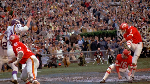 <p>               FILE - In this Jan. 11, 1970, file photo, Kansas City Chiefs place kicker Jan Stenerud kicks a field goal against the Minnesota Vikings in the Super Bowl IV football game in New Orleans. Stenerud, the Norwegian soccer-style ace, kicked field goals of 48, 32 and 25 yards. The Chiefs won, 23-7.  (AP Photo/File)             </p>