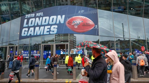 <p>               NFL football fans arrive at Tottenham Hotspur Stadium to watch an NFL football game between the Tampa Bay Buccaneers and the Carolina Panthers, Sunday, Oct. 13, 2019, in London. (AP Photo/Alastair Grant)             </p>