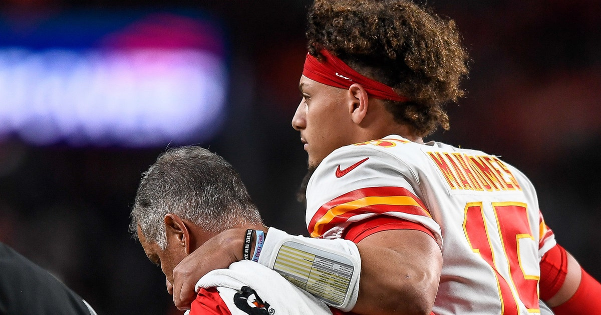 Shannon Sharpe blames Andy Reid for getting Patrick Mahomes hurt with 'dumb coaching move'