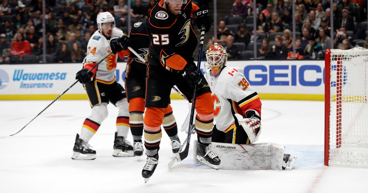 Backlund propels Flames to 2-1 victory over Ducks | FOX Sports