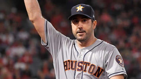 <p>               Houston Astros starting pitcher Justin Verlander waves to fans as he walks back to the dugout after striking out Los Angeles Angels' Kole Calhoun for his 3,000th career strikeout during the fourth inning of a baseball game Saturday, Sept. 28, 2019, in Anaheim, Calif. (AP Photo/Mark J. Terrill)             </p>